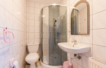 Noclegi na Mazurach, łazienka pokój nr.1, Kamionki