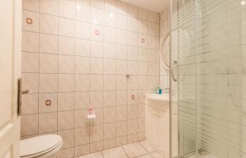 Noclegi na Mazurach, łazienka pokój nr.3, Kamionki